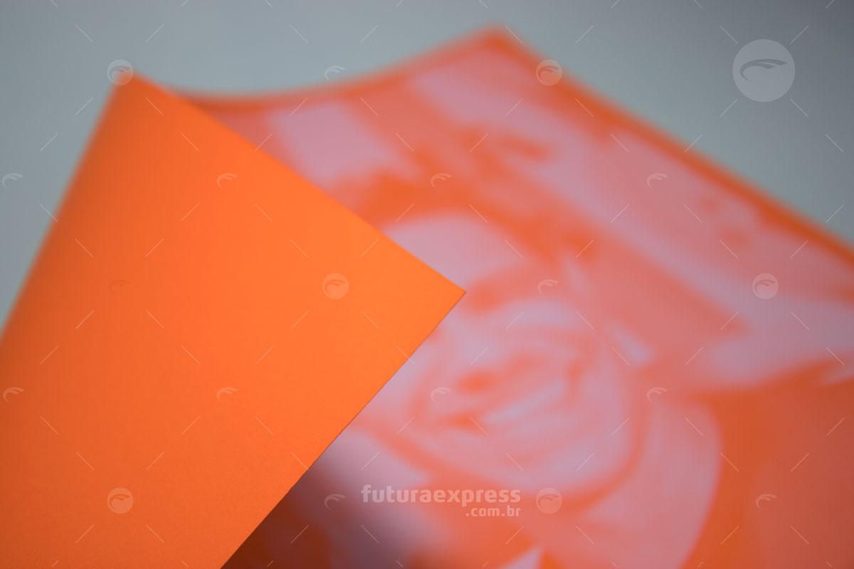 Impressos com Tinta Branca
